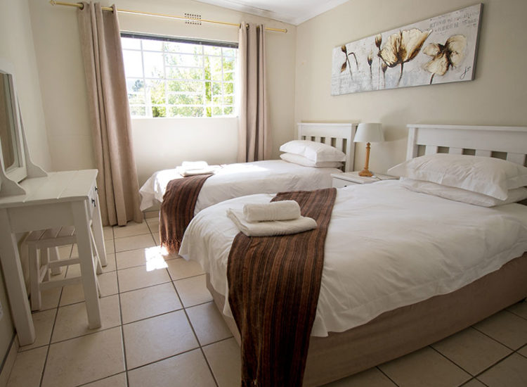 Chalet Bedroom with 2 single beds